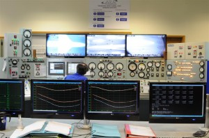 Aircraft-Research-Association-Wind-Tunnel-Control-Room-Large-300x199